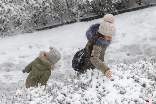 Больше всего снегу радовались дети