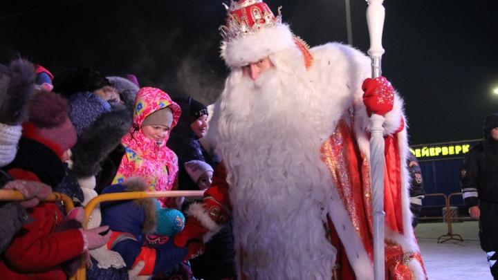 В Омске Дед Мороз из Великого Устюга заявил, что приехал на метро