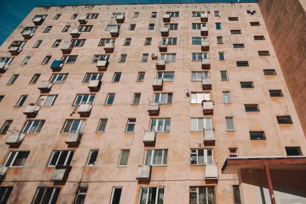 Порой жилье умершего продавали другому умершему