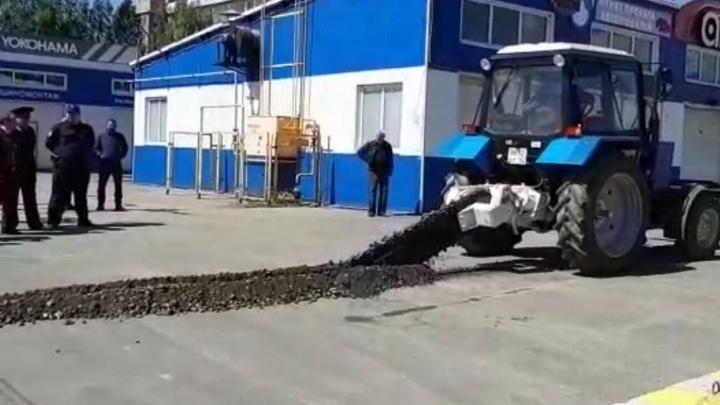 Мэрия против бизнеса: чиновники испортили дорогу в Ярославле, чтобы выгнать владельца автомойки