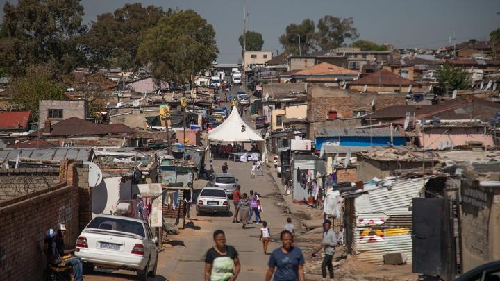 Путешественник из Новосибирска побывал в африканских трущобах и нашёл там подобие Нью-Йорка