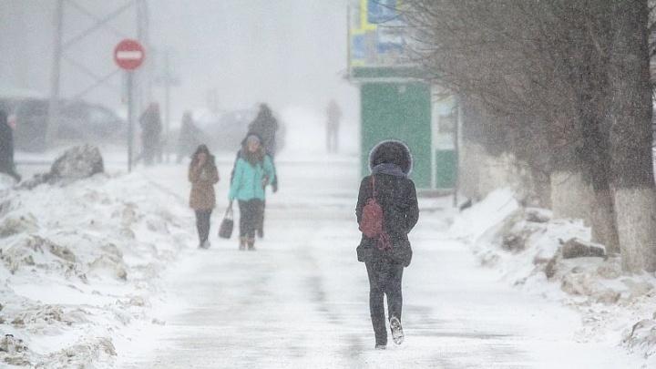 Самарцы рассказали, что мешает им трудиться зимой
