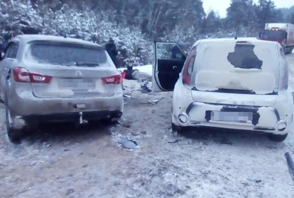 На востоке Башкирии столкнулись KIA Soul и Mitsubishi ASX: есть пострадавшие