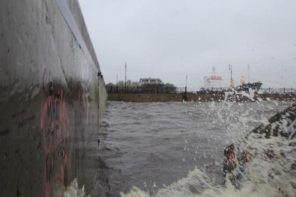 Непогода в эти выходные будет не только на суше, но и на воде