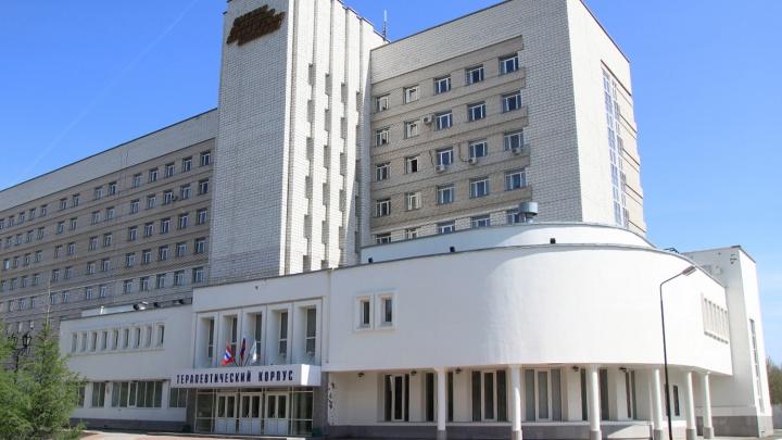 Омич обвинил областную больницу в смерти своей жены. Медики извинились, что не смогли её спасти