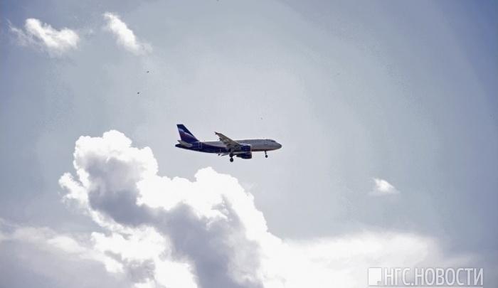 Пассажиры задержавшегося из-за метели на 5 часов самолета молились в салоне о вылете