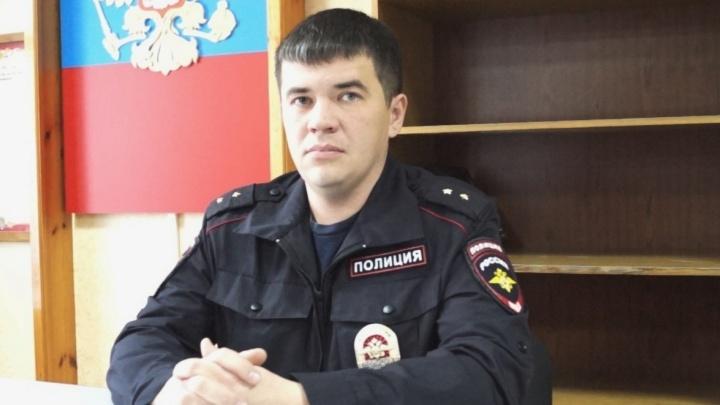 Полицейский из Белоярского спас дедушку-садовода, который заблудился в лесу