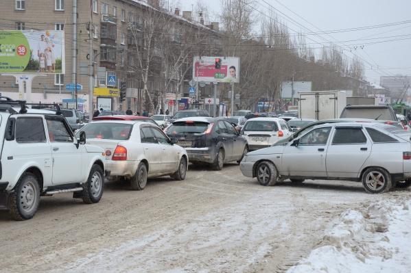 Целый день в Новосибирске затруднено движение