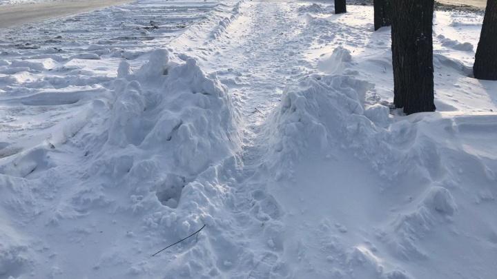 Отмена рейсов, погодный рекорд, пробки 10 баллов и десятки ДТП: как Челябинск пережил лютый снегопад