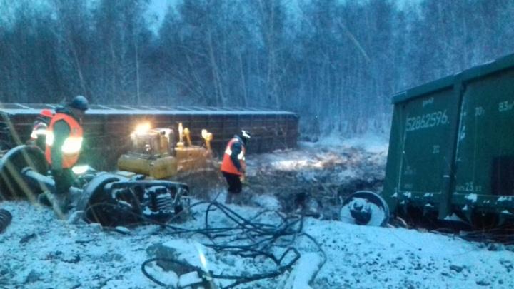 Крушение поезда в Омской области: в пяти абзацах рассказываем, что произошло