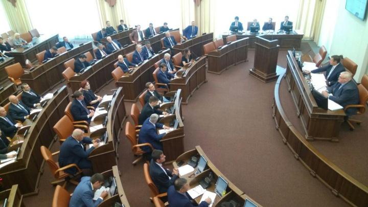 Депутаты захотели поработать в советах директоров и поругались из-за коррупции