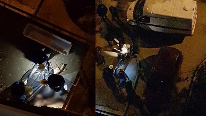 На Осипенко мужчина выпал с 9-го этажа жилого дома