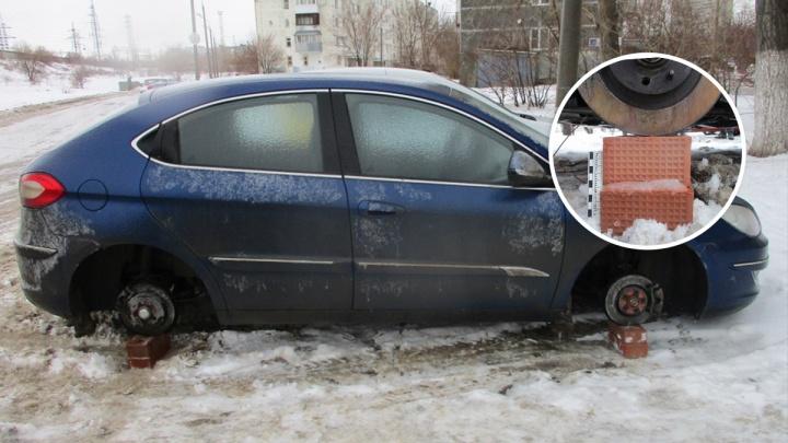 «Разули под ноль»: в Самарской области супруги воровали колёса с автомобилей