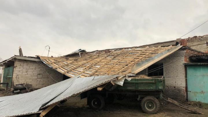 Ураганный ветер в Башкирии за сутки повредил 27 зданий