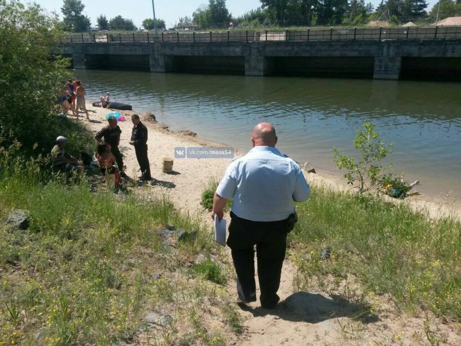 Гражданин  Новосибирска умер , ныряя в реку  смоста взапрещенном месте