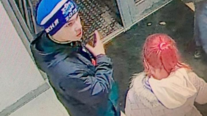 На Уралмаше избили екатеринбурженку. Следователи ищутпарня и девушку с малиновыми волосами