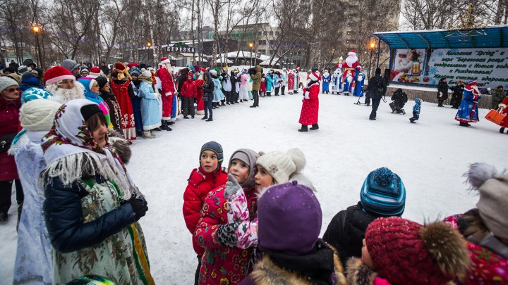 Праздника не будет: в Кировском районе открытие ёлки перенесли из-за мороза на январь