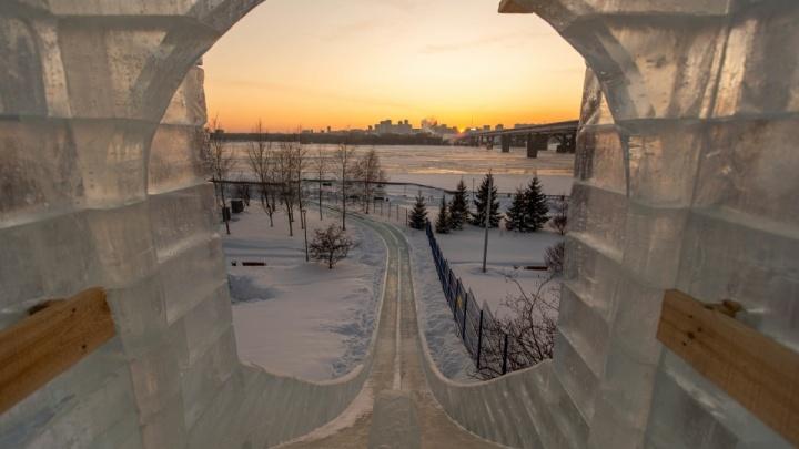 Дикие очереди на каток, вылазка в Томск и отдых в Шерегеше: как новосибирцы отрываются на каникулах