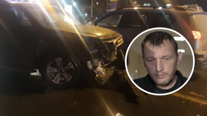 Водитель, сбивший на улице Горького группу школьников на тротуаре, проведёт в СИЗО ещё 3 месяца