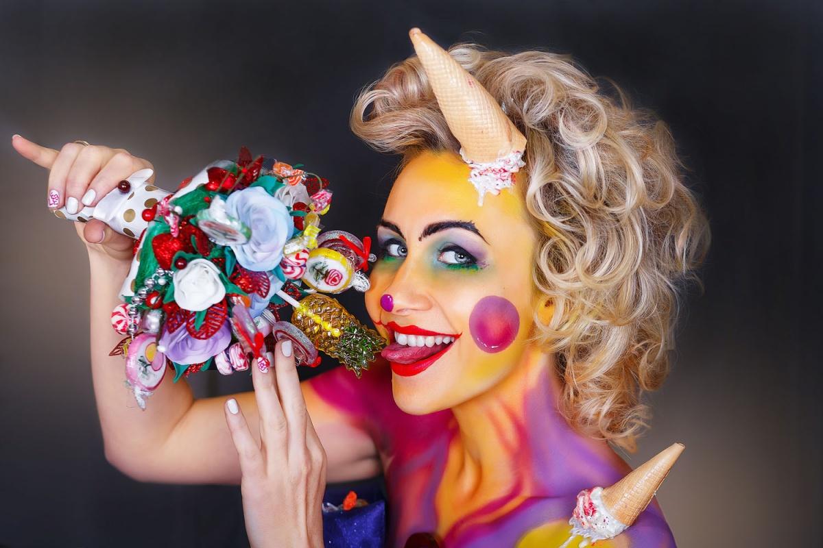 Людмила Коршунова пояснила, что этот образ она создала благодаря своей любви к сладостям