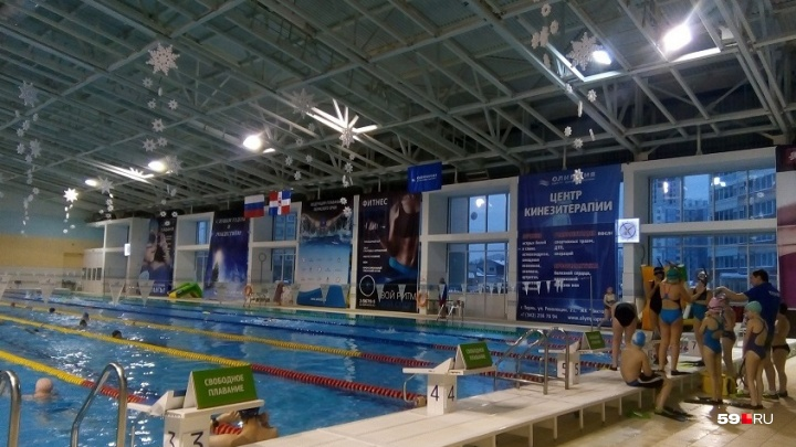 «Искусственное дыхание делали целый час»: в Перми девочку увезли в реанимацию из бассейна «Олимпия»