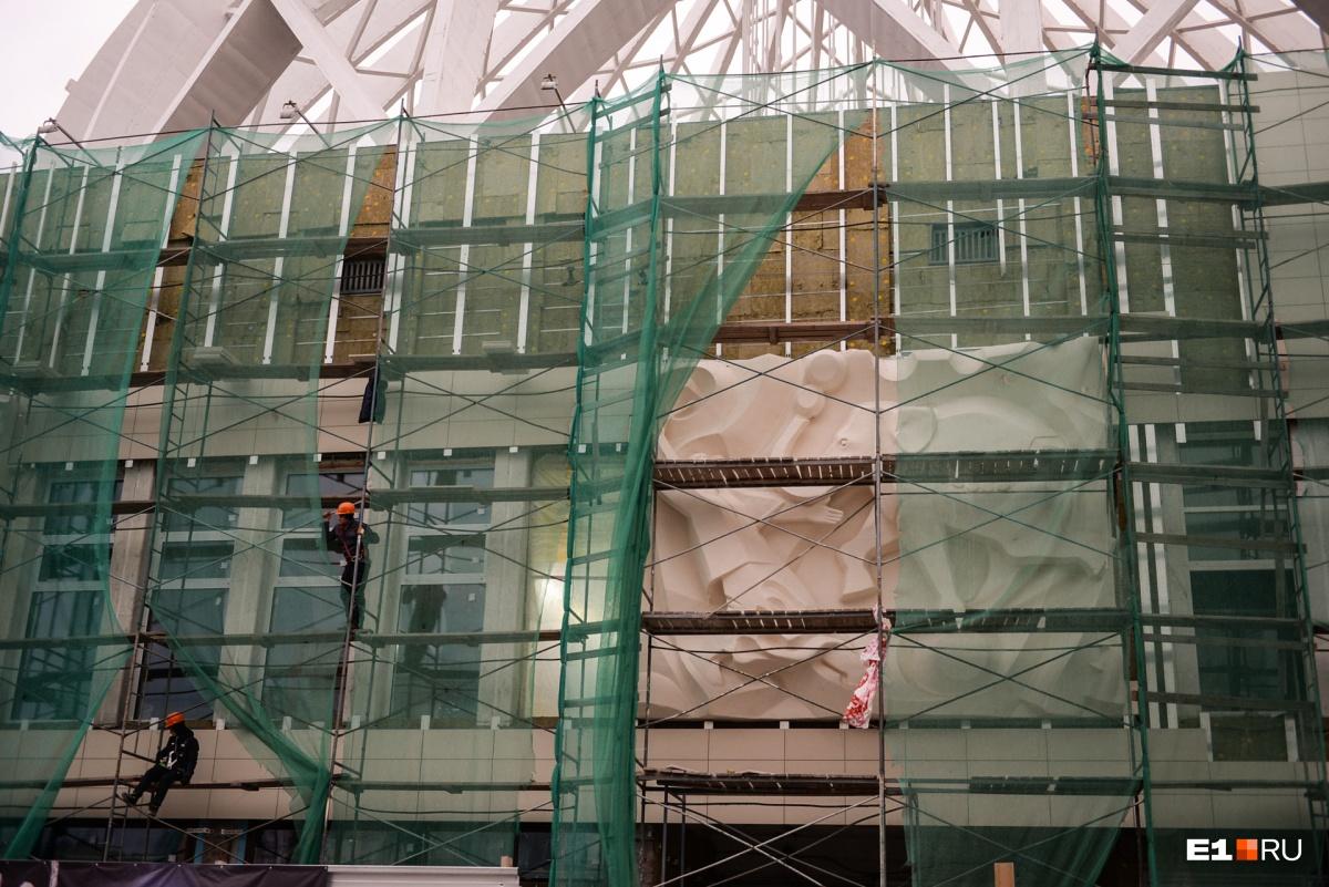 В Росгосцирке считают, что Марчевский слишком поздно начал ремонтировать фасад