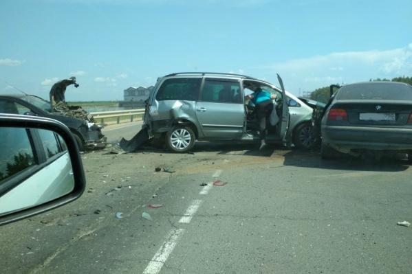 Машины перегородили дорогу