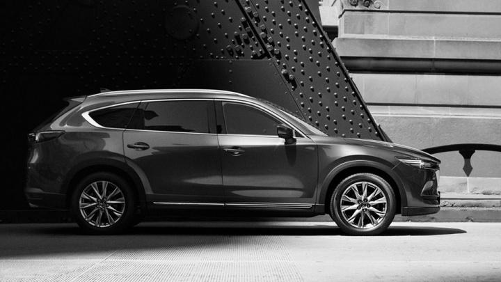 Mazda показала огромный CX-8 на семь мест