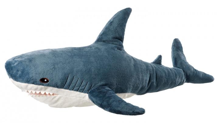Все ловят БЛОХЭЙ: новосибирцы устроили давку за акулами в ИКЕА
