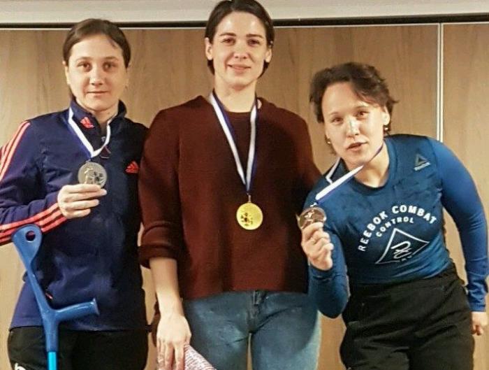 Российские биатлонистки заняли весь пьедестал. Фёдорова крайняя справа