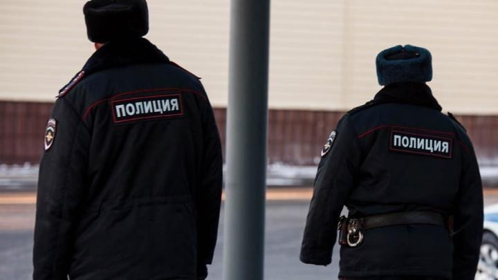 Житель Тюменской области проведет 8 месяцев в колонии-поселении за то, что ударил полицейского