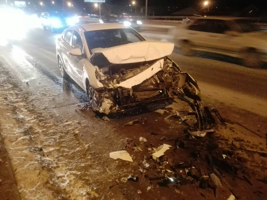 Размещено  фото ДТП вНовосибирске, вкотором столкнулись три иномарки