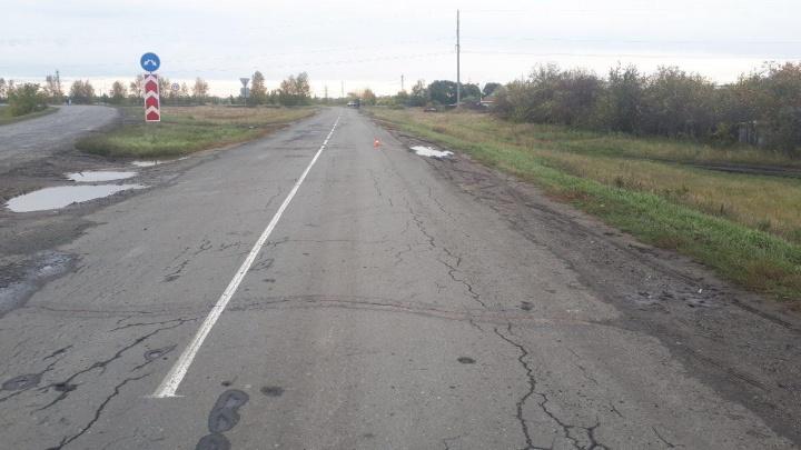 В Зауралье машина сбила пенсионера, шедшего по проезжей части