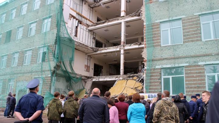 Предварительное слушание по уголовному делу об обрушении казармы в Омске отложили