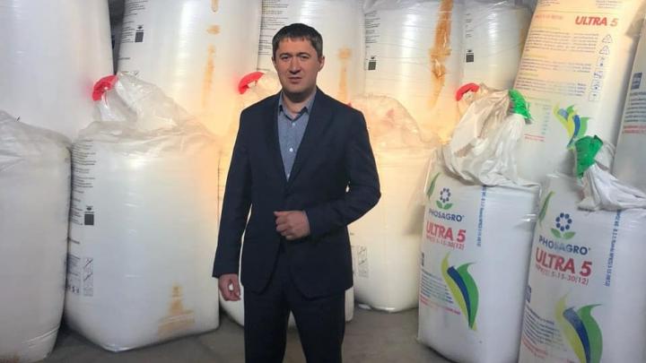 С удобрениями, на лыжах, с Решетниковым. Лучшие кадры из Instagram врио губернатора Дмитрия Махонина