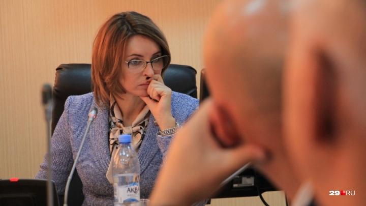 Бунт «партийной челяди» провалился: Валентина Сырова снова спикер городской думы