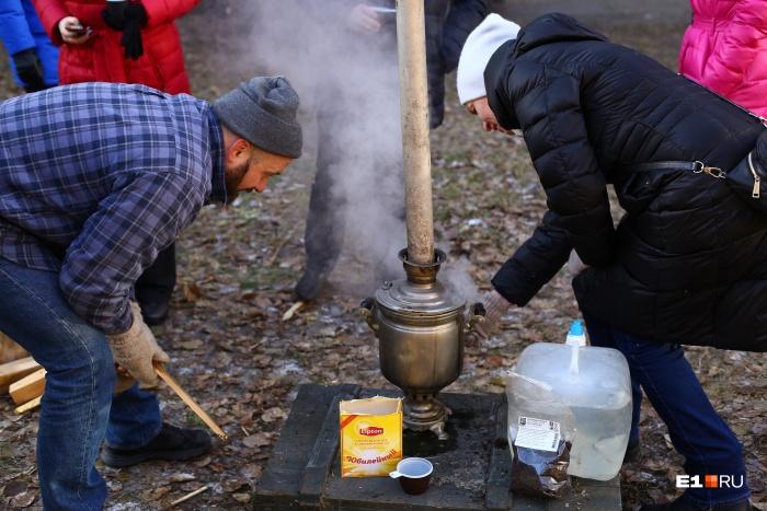 Жильцы дома у филармонии, который хотят снести, устроили пикник для всех желающих