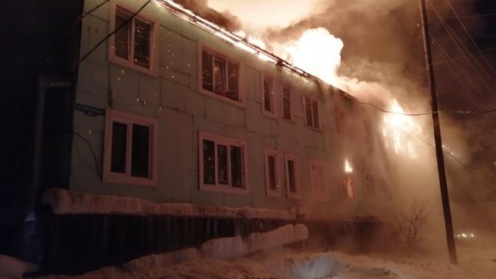 В ночь на понедельник на севере края вспыхнул многоквартирный жилой дом
