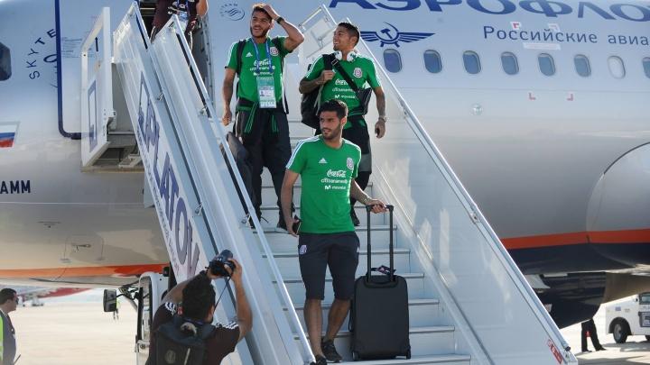 В ростовском аэропорту Платов приземлился самолет со сборной Мексики