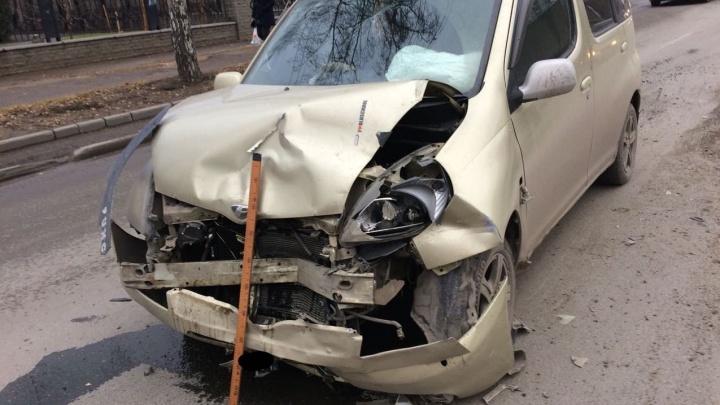 Водитель «Тойоты» собрал паровозик из трех машин в Заельцовском районе