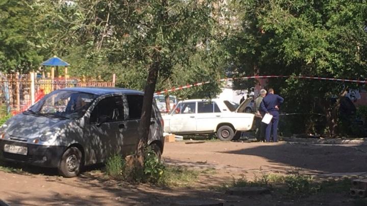 «У него тихая обычная семья»: в Магнитогорске подорвали машину во дворе, водитель в больнице