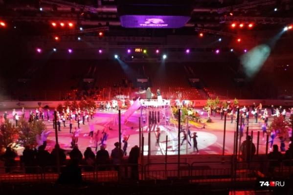 «Грандиозное» шоу показали челябинцам на новогодних каникулах в ледовой арене «Трактор»
