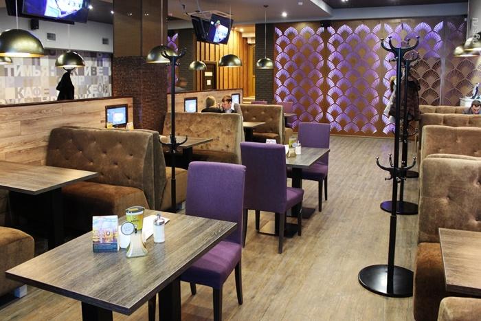 Создатели «Таверны» решили ничего не менять в интерьере доставшегося им ресторана. Фото Стаса Соколова