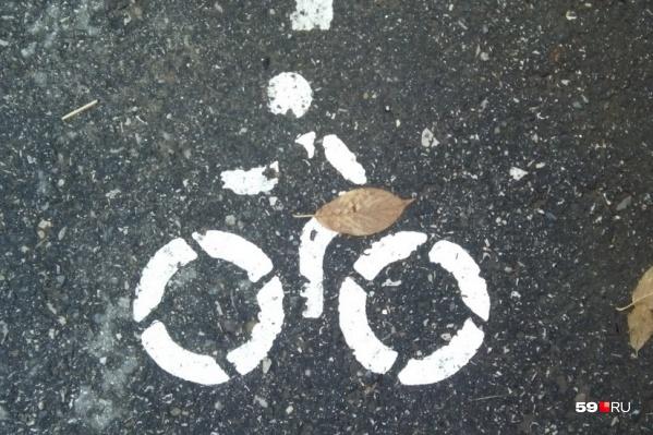 Проблему движения велосипедистов на набережной можно решить с помощью разметки велодорожки и появления расписания