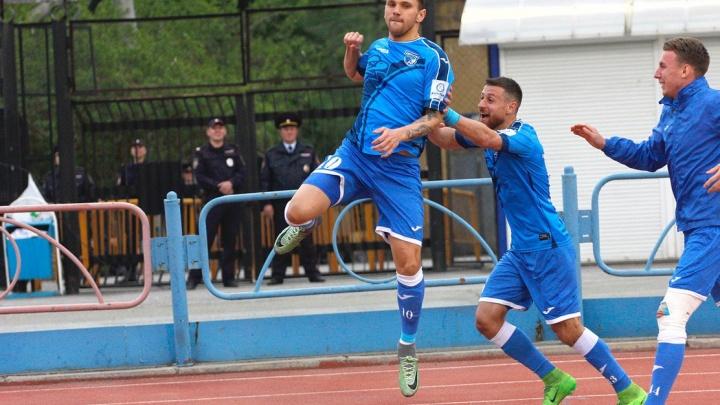 Футбол: «Сибирь» завершила сезон в шаге от вылета из национальной лиги
