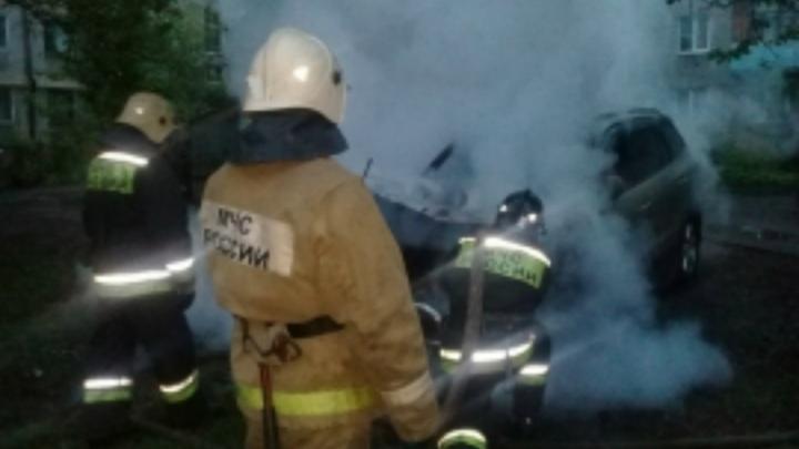 Ночью в Ярославской области у коллектора сгорела машина