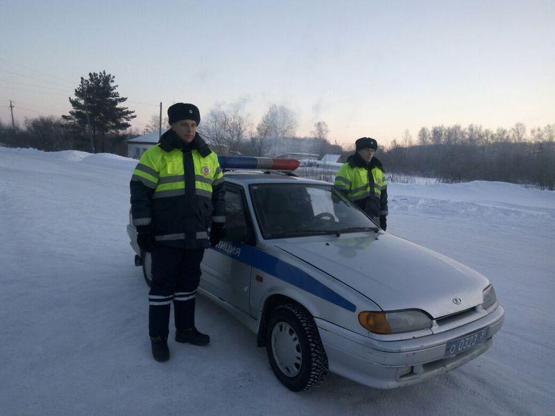 Скорая помощь заглохла вмороз -30 натрассе вНовосибирской области