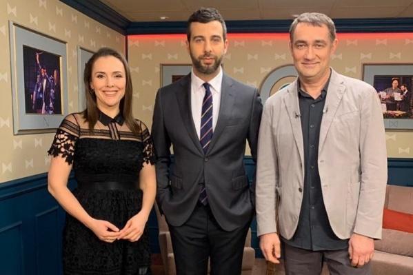 В гости к Ивану Урганту Елена Панова пришла со своим партнером по телесериалуКонстантином Юшкевичем