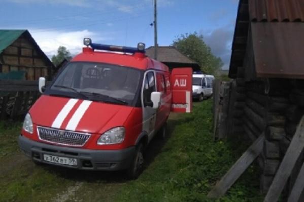 Пожарные тушили огонь около двух часов