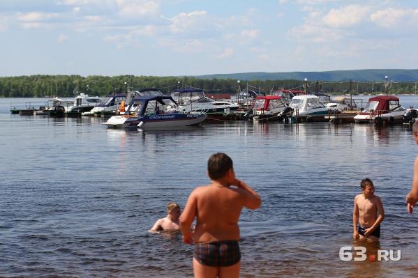 В жаркую погоду многие хотят выехать на волжские острова